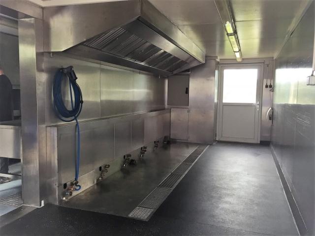 Universalküche zur Reinigung der Speise-/ Servierwagen beim Taunus Menü Service in Neu Anspach (DE)