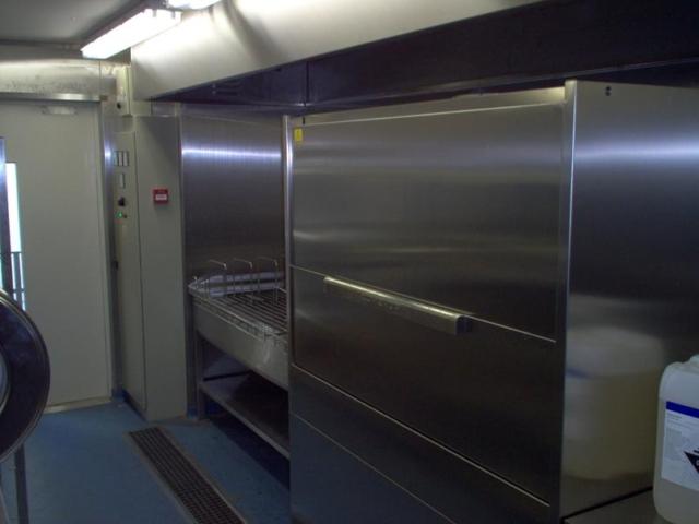 Topfspülmaschine in Container